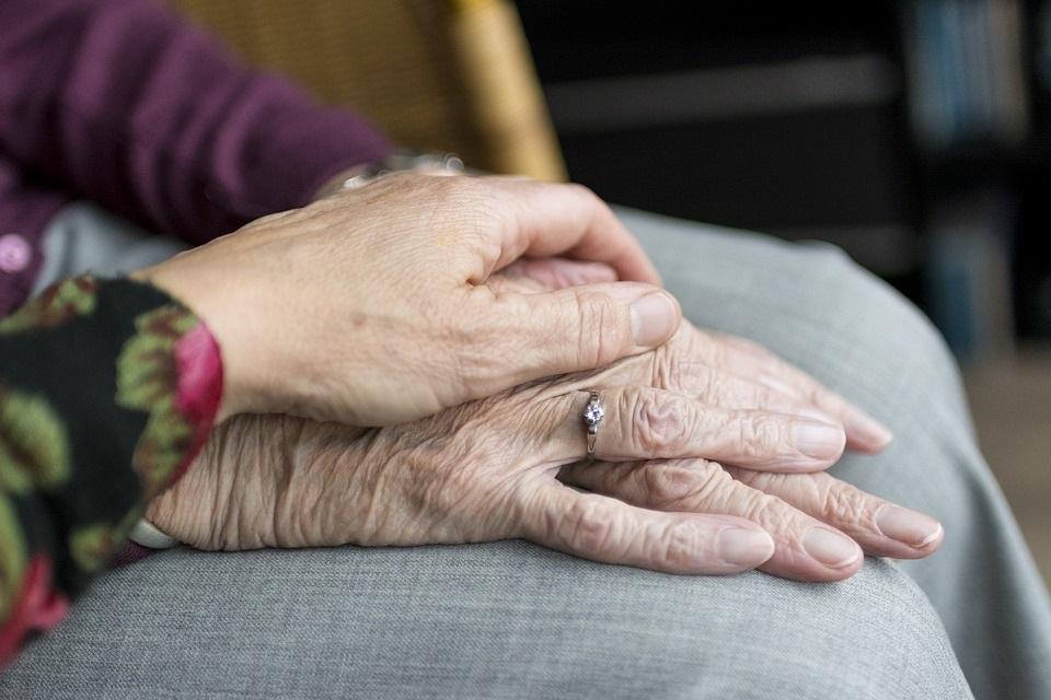 Pflege für ältere Menschen in Deutschland und China